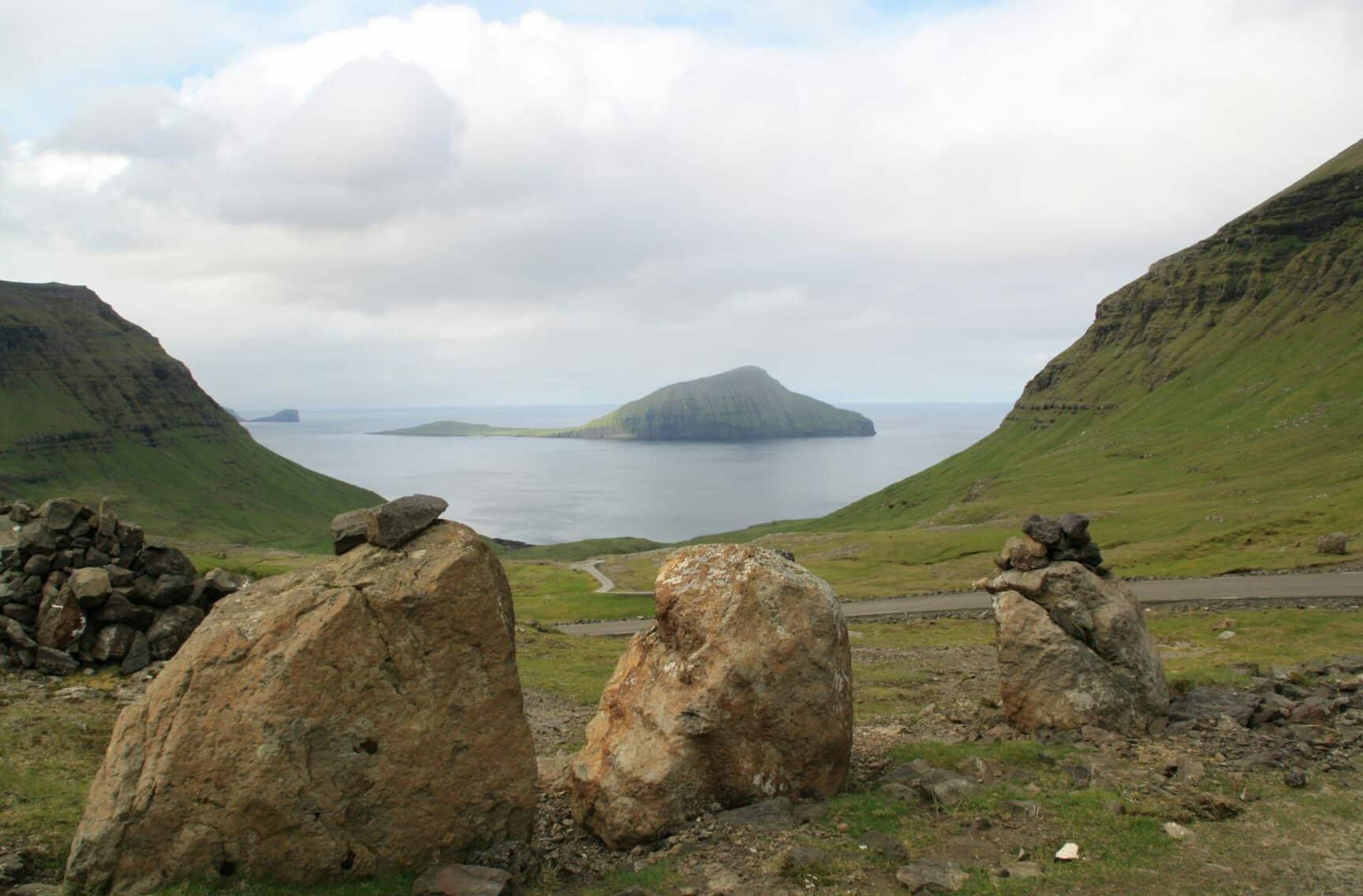 Faerské-ostrovy-DK-1-scaled-e1598995543502